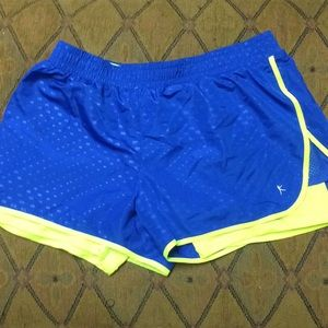 Danskin Running workout shorts L/G (12-14)